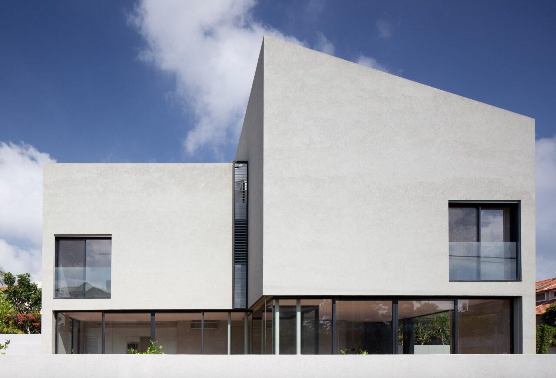 E/J House